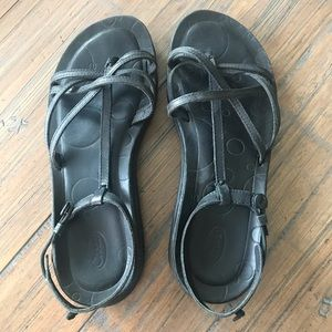Chaco size 9 Native Ecotread black leather sandals